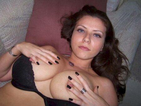 Chienne sexy dominatrice pour gars qui aime la soumission