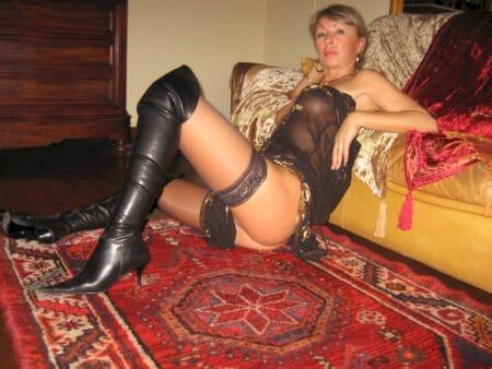 Cougar coquine recherche un amant pour un plan sexe sur le 85