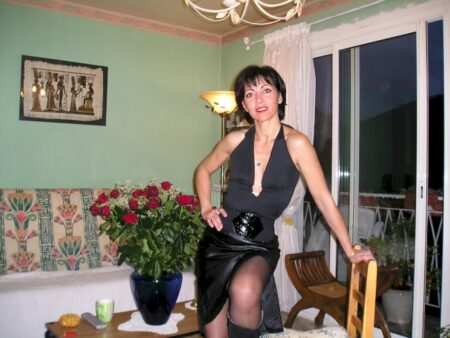 Femme adultère soumise pour gars dominateur